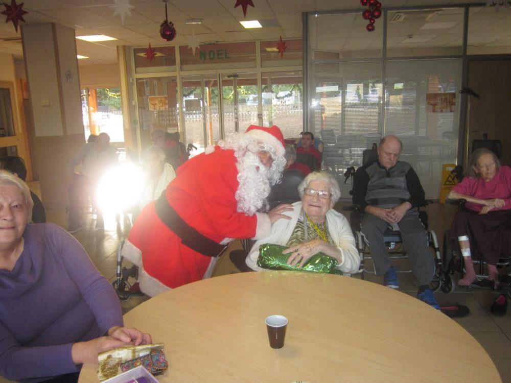 Noel à la maison de retraite les amandine